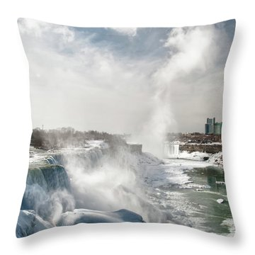 Throw Pillow featuring the photograph Niagara Falls 4601 by Guy Whiteley