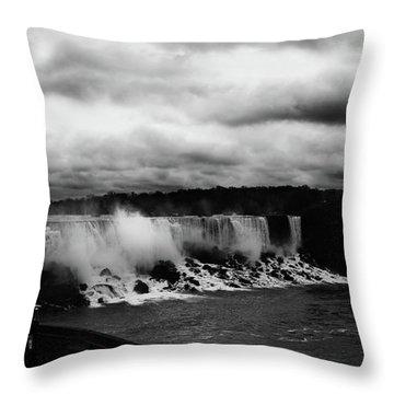 Niagara Falls - Small Falls Throw Pillow