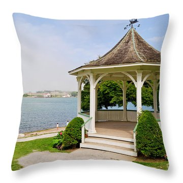 Niagara On The Lake Gazebo 2014 Throw Pillow