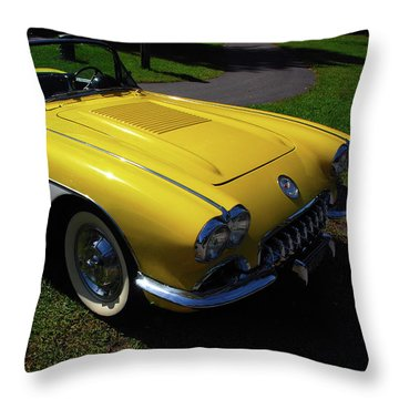 Nineteen Fifty Eight C1 Plate 1 Throw Pillow