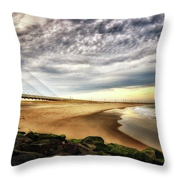 North Beach At Indian River Inlet Throw Pillow