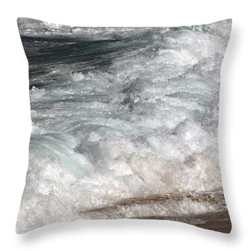 North Beach, Oahu II Throw Pillow