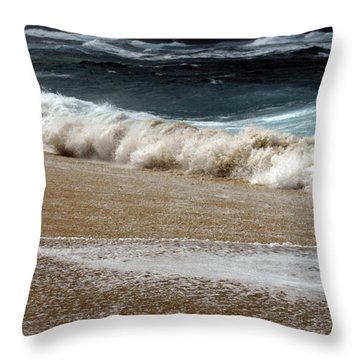 North Beach, Oahu V Throw Pillow