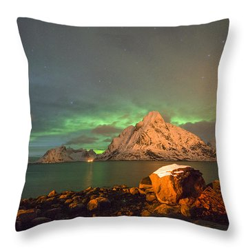 Spectacular Night In Lofoten 3 Throw Pillow