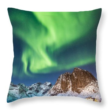Northern Lights In Hamnoy Throw Pillow