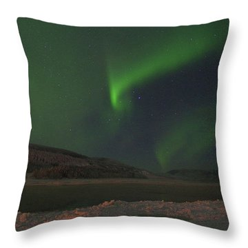 Throw Pillow featuring the photograph Northern Yukon Lights 6 by Phyllis Spoor
