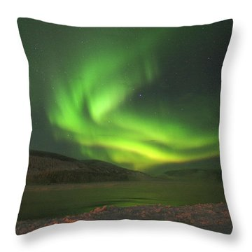 Throw Pillow featuring the photograph Northern Yukon Lights 7 by Phyllis Spoor