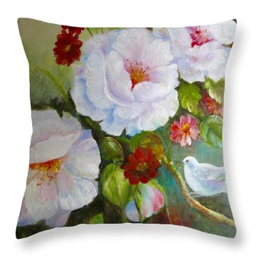 Noubliable  Throw Pillow