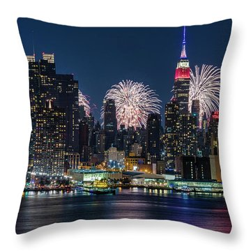 Throw Pillow featuring the photograph Nyc 4th Of July Fireworks Celebration by Susan Candelario