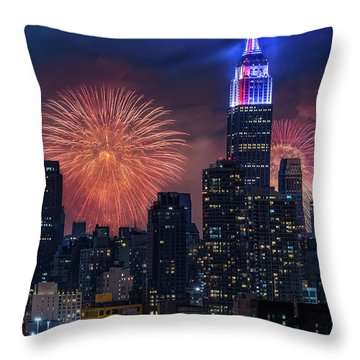 Throw Pillow featuring the photograph Nyc Fourth Of July Fireworks  by Susan Candelario