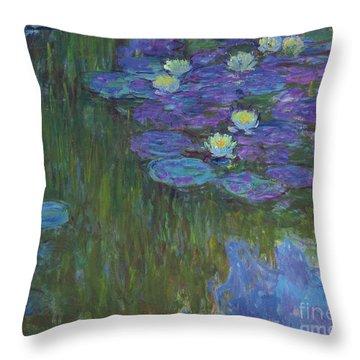 Nympheas En Fleur, 1914 To 1917  Throw Pillow