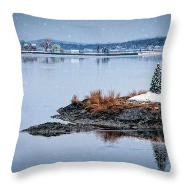 O Tannenbaum Throw Pillow