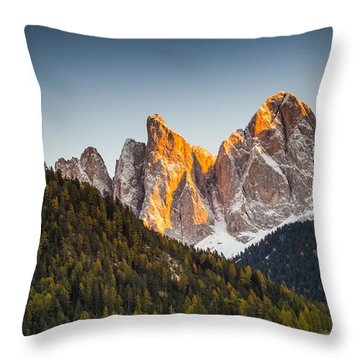 Odle Peaks Throw Pillow