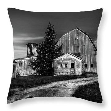 Ohio Barn At Sunrise Throw Pillow