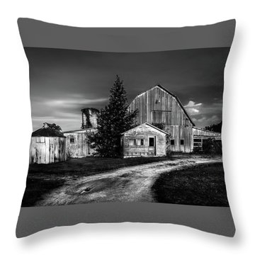 Ohio Barn At Sunrise Throw Pillow