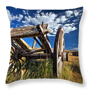 Old Abandoned Wagon, Bodie Ghost Town, California Throw Pillow