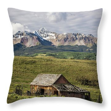 Old Barn And Wilson Peak Vertical Throw Pillow