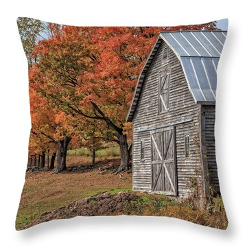 Old Barn With New England Foliage Throw Pillow