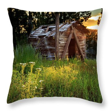 Old Cabin At Sunset Throw Pillow