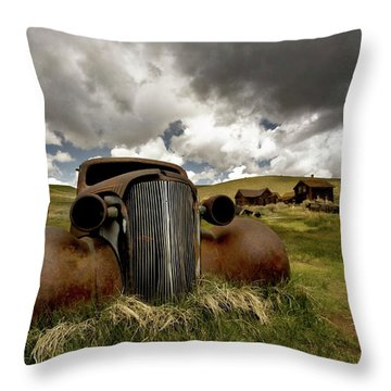 Old  Car Bodie State Park Throw Pillow