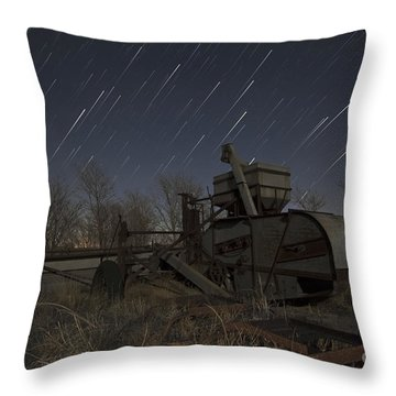 Old Contry Thrasher Throw Pillow