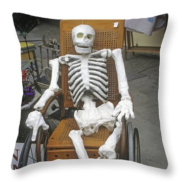 Old Deadheads Never Die Throw Pillow