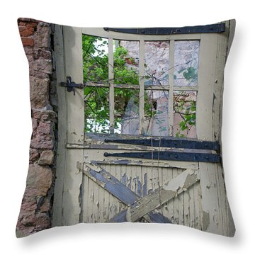 Throw Pillow featuring the photograph Old Door From Bridgetown Millhouse Bucks County Pa by Bill Cannon