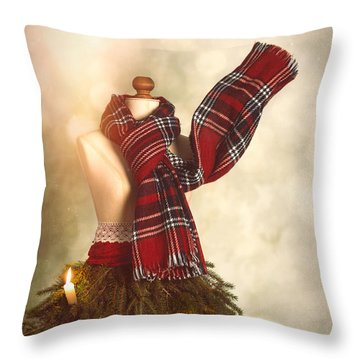 Old Fashioned Christmas Tree Throw Pillow