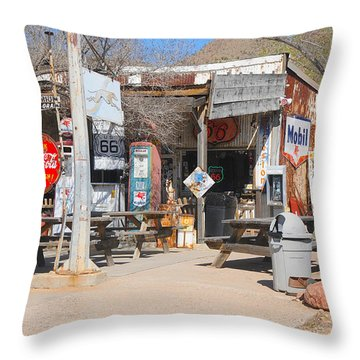 Old Gas Station, Historic Route 66 Throw Pillow