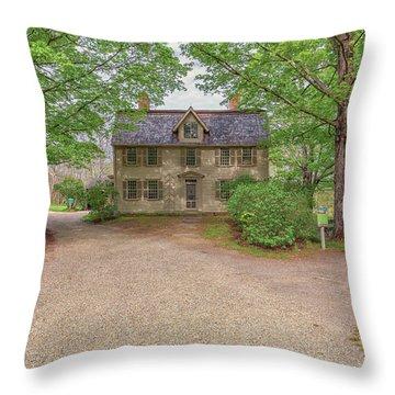 Old Manse Concord, Massachusetts Throw Pillow
