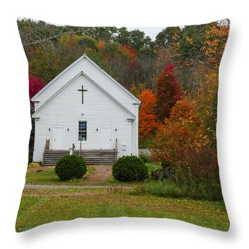 Old New England Church Throw Pillow