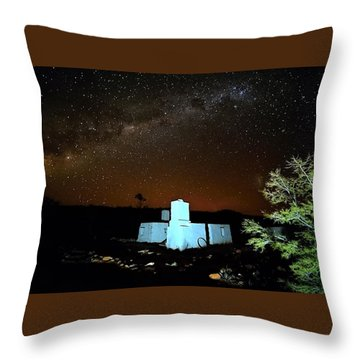Old Owen Springs Homestead Throw Pillow