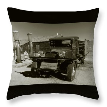 Old Pickup Truck 1927 - Vintage Photo Art Print Throw Pillow