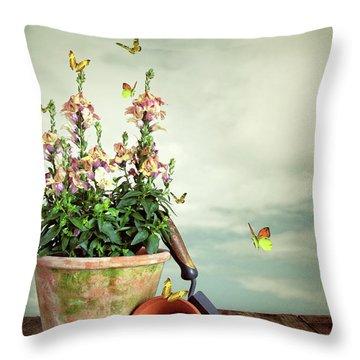 Old Plant Pot Throw Pillow