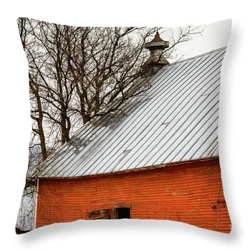 Throw Pillow featuring the photograph Old Red Barn Quechee Vermont by Edward Fielding