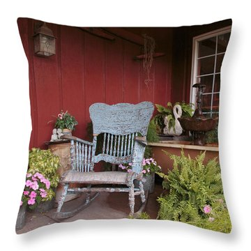 Old Rockin' Chair Throw Pillow