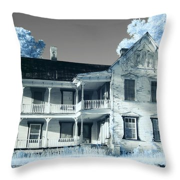 Old Shull House In 642 Throw Pillow