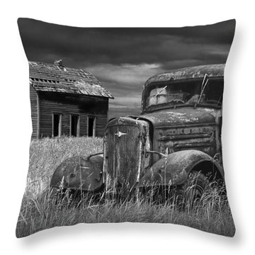 Old Vintage Pickup In Black And White By An Abandoned Farm House Throw Pillow