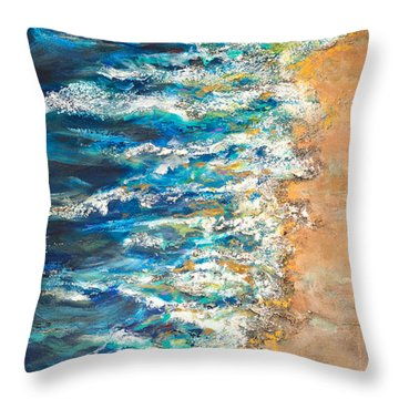 One Star Throw Pillow by Linda Olsen