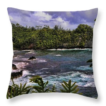 Onomea Bay Hawaii Throw Pillow