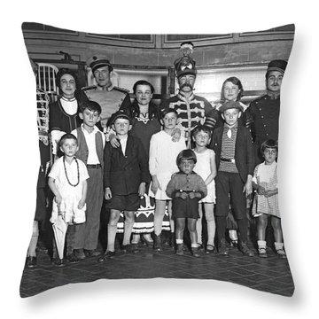 Italian Immigrants Throw Pillows