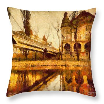 Oradea Chris River Throw Pillow