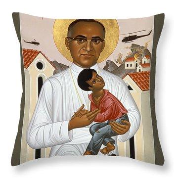 St. Oscar Romero Of El Salvado - Rlosr Throw Pillow