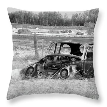 Out To Pasture 001 Vw Bw Throw Pillow