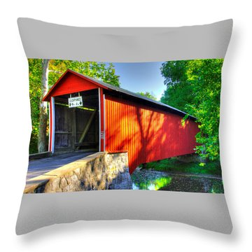 Pa Country Roads - Witherspoon Covered Bridge Over Licking Creek No. 4b - Franklin County Throw Pillow