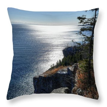 Palisade Head Lake Superior Minnesota Winter Afternoon Throw Pillow