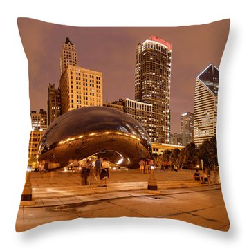 Panorama Of Anish Kapoor Cloud Gate Aka The Bean At Millenium Park - Chicago Illinois Throw Pillow