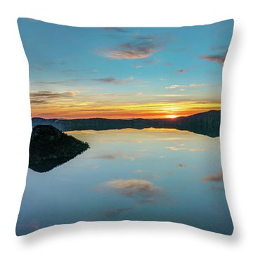 Throw Pillow featuring the photograph Panoramic View Of Crater Lake by Pierre Leclerc Photography