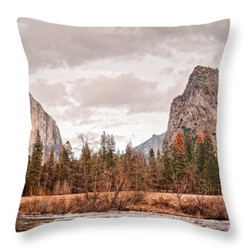 Panoramic View Of Yosemite Valley From Bridal Veils Falls Viewing Point - Sierra Nevada California Throw Pillow
