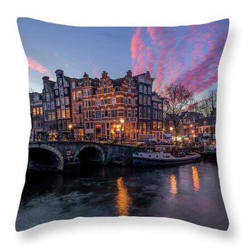 Papiermolensluis Throw Pillow